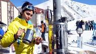 İranlı kadınlar Türkiye'yi sevdi! Erzurum'da kar keyfi!