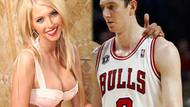 NBA yıldızı Ömer Aşık, playboy güzeli Lindsay ile birlikte!