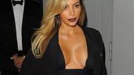Kim Kardashian'dan derin dekolte! Doğum kiloları gitti!