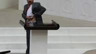 Sırrı Süreyya Meclis'te gömleği çıkardı, bomba izini gösterdi!