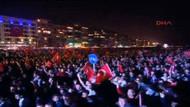 İzmir'de 100 Bin kişi Andımız'ı okudu! Gündoğdu inledi!
