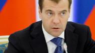 Medvedev: Rus yolcu uçağını teröristler düşürdü