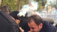 Figen Yüksekdağ gaz fişeğiyle kafasından yaralandı!