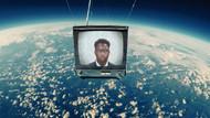 Bu klip için uzaya televizyon gönderdiler!