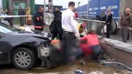Otomobil metroya daldı: 1 ölü