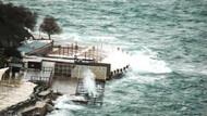Bodrum'da fırtına ve dev dalgaların esareti