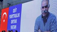 HDP Kongresinde Türk bayrağı ve Öcalan posteri