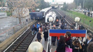 İzmir'de metro devrildi: Yaralılar var!