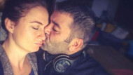 Ceyda Düvenci'ye ayrılık öpücüğü