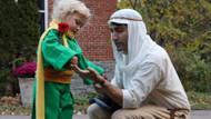 Kanada Başbakanı Trudeau oğlu için kostüm giydi