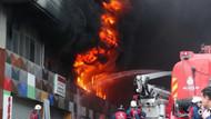 Bayrampaşa'da büyük yangın; dumanlar İstanbul'un birçok semtinden görülüyor