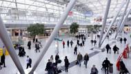 Düsseldorf Havaalanı'nda 14 Türk yolcu bekletiliyor