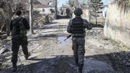 Cizre'de barikat ve enkazlar kaldırılıyor