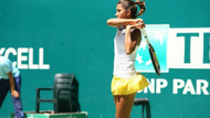 Çağla Büyükakçay, Dünya 12 numarası Safarova'yı yendi