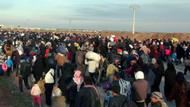 Binlerce kişi Türkiye sınırında!