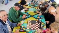 Alzheimer hastalığından korunmak için çare zeka oyunları