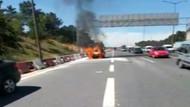 TEM'de yanan otomobil trafiği kilitledi