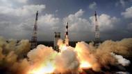 Hindistan uzaya bir defada 20 uydu taşıyarak rekor kırdı