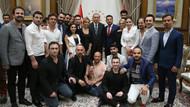 Erdoğan sanatçıları Cumhurbaşkanlığı Külliyesi'nde kabul etti!