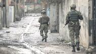 PKK'lı teröristler, Cizre'de askeri birliğe saldırdı: 1 yaralı