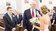 Babasının kalbi takılan adam, nikahında Jeni'yi yalnız bırakmadı!