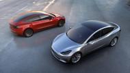 Tesla'nın elektrikli S modeli test sürüşü sırasında alev aldı