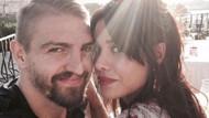 Caner Erkin sevgilisi Şükran Ovalı'ya Boğaz'da evlilik teklif etti!