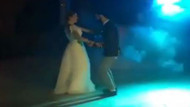 Burcu Biricik'ten düğün dansı
