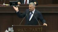 Başbakan'dan AKP grubundaki idam sloganlarına cevap: O teröristbaşı hak ettiği cezayı alacak!