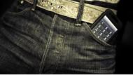Cinsel sorun yaşamamak için cep telefonunu ön cebinizde taşımayın
