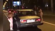 İç çamaşırlarıyla yolda para toplayan Rus kadınlar