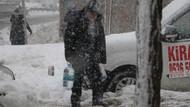 Flaş: İstanbul'da kar yeniden başladı.. CANLI