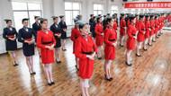 Çin'de Hostes Olabilmek İçin Ahtapot Gibi Oturma Testinden Geçen Kadınlar
