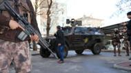Polis üniformasıyla eylem hazırlığındaki 2 kişi yakalandı