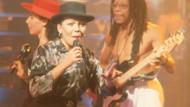 Dünyaca ünlü şarkıcı aracında ölü bulundu