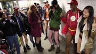 Metroda yarı çıplak eylem!