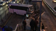 Son dakika haberi... Metrobüs yolunda kaza, seferler aksıyor