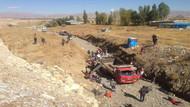 Son dakika... Hakkari'de kamyonet devrildi! 66 yaralı