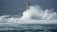 Ofelya Fırtınası İrlanda kıyılarına ulaştı: 1 ölü
