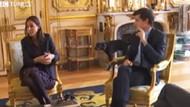 Macron'un köpeği çişini yaptı! Herkes kahkahaya boğuldu