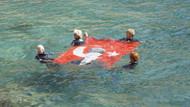 Denizde Türk bayrağı açan kadınlar, cumhuriyet'i kutladı