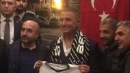 Sedat Peker'in Çarşı pozu sosyal medyayı karıştırdı