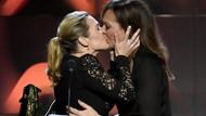 Allison Janney'in dudaklarına yapışan Kate Winslet olay oldu