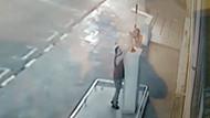 Atatürk heykeline silahlı saldırı kamerada