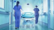 Doktor ameliyat ettiği kadının cinsel organının fotoğrafını paylaştı