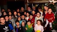 Tedavi gören miniklere Selda Topal'dan yeni yıl partisi