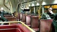 Çift katlı otobüste cinsel ilişkiye giren kadın ve sevgilisi olay oldu