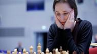 Dünya satranç şampiyonu Suudi Arabistan'da yarışmayı reddetti