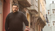2 yıl yatalak kaldıktan sonra Rap müziği ile hayata dönen Rapçi Yener Çevik'in inanılmaz hikayesi