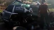 Suriyeli göçmenlerin minibüsü jandarmadan kaçarken kamyonla çarpıştı: 10 ölü